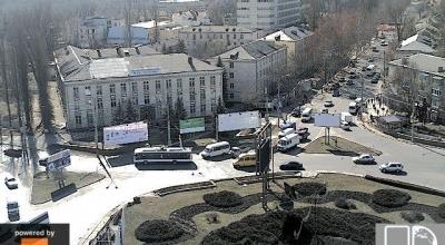 Live camera Monumentul lui Stefan cel Mare Buiucani, Moldova